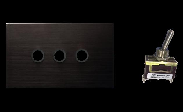 古典系列金屬黑/三開關蓋板組 3