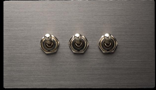 古典系列金屬灰/三開關蓋板組 1
